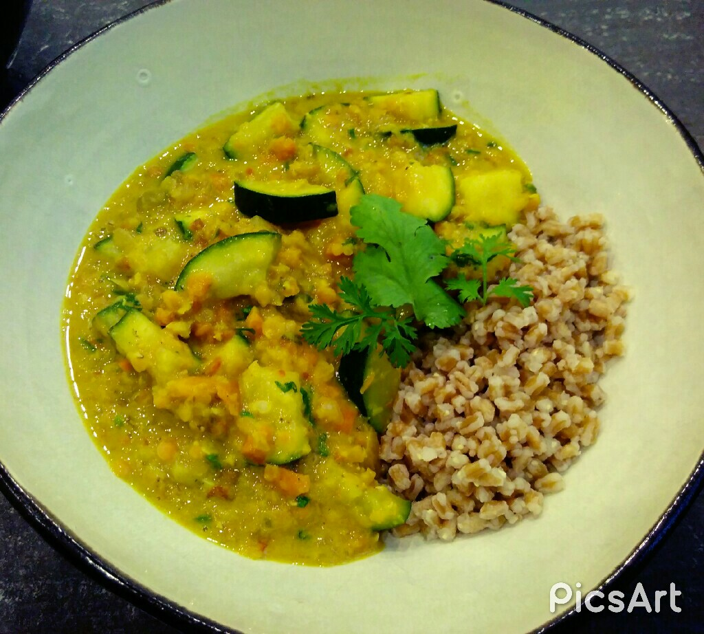 ~ Zucchini Linsen Curry~