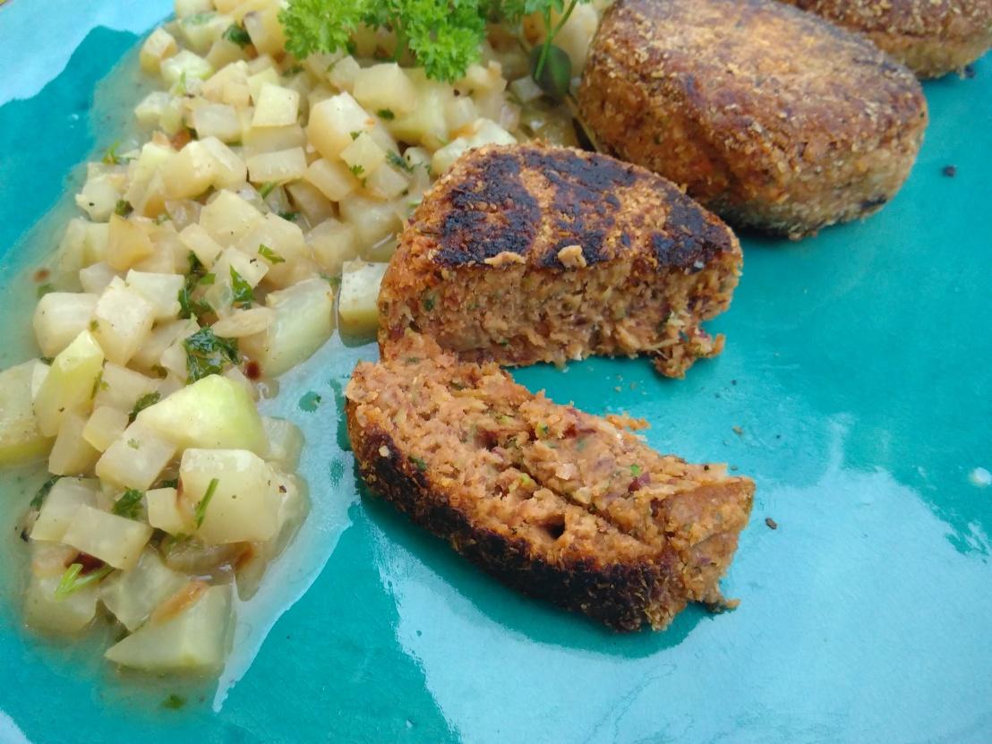 Bohnen Laibchen mitKohlrabigemüse