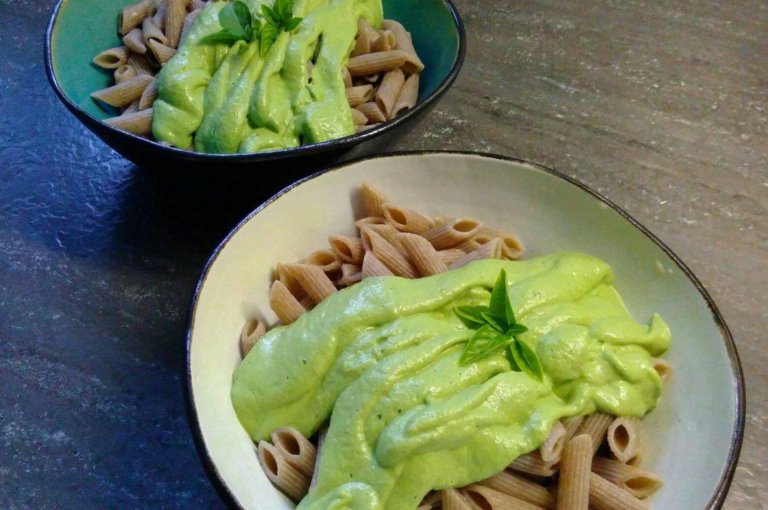 Pasta in cremiger Zucchini Sauce(vegan)