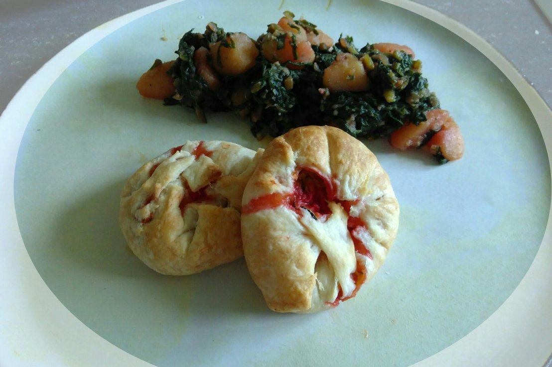 Blätterteigtascherln mit Zucchini Rote BeteFüllung