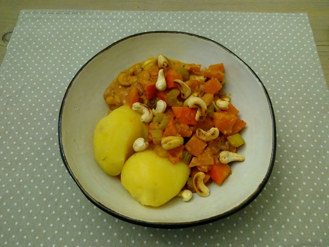 ))Kürbis Curry mit Cashews((