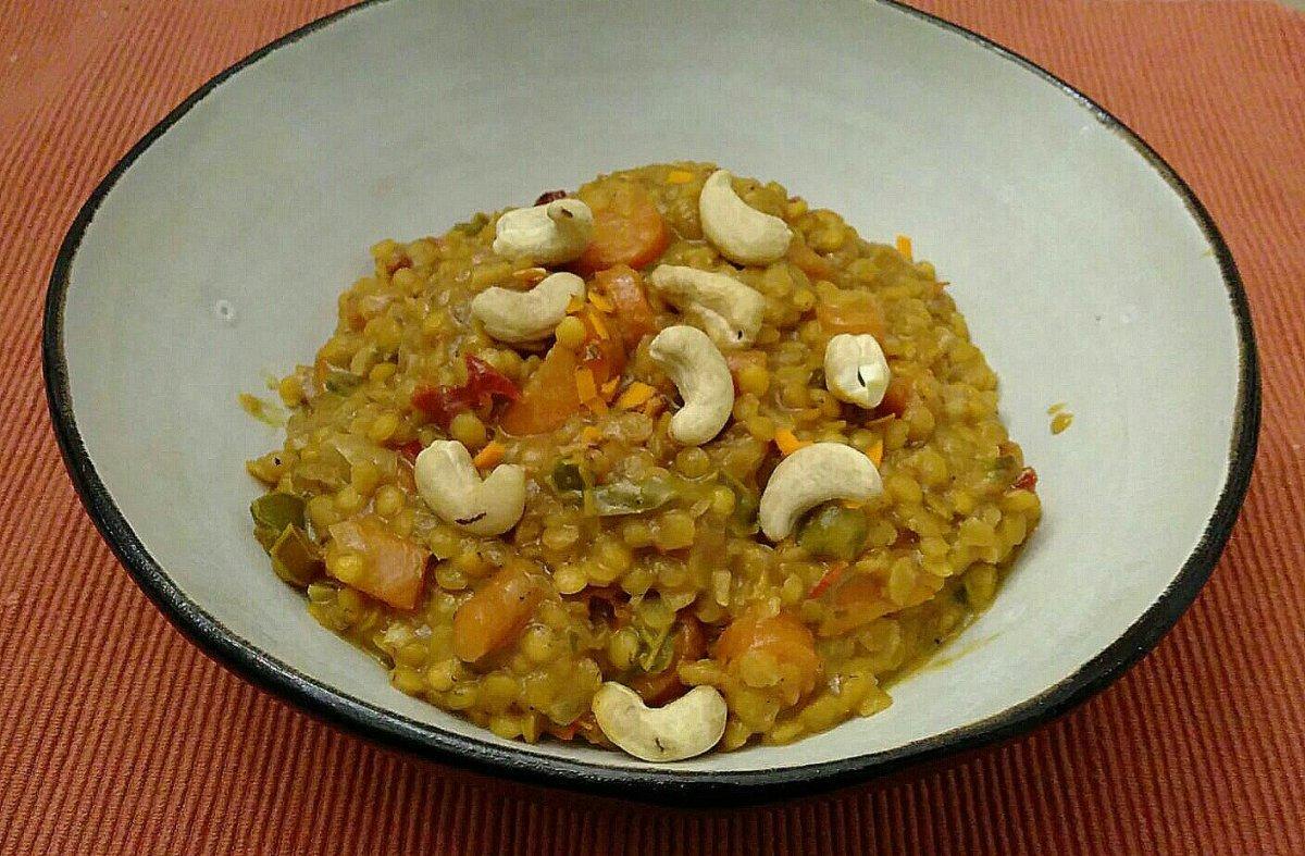 -Gelbes Linsen Curry-
